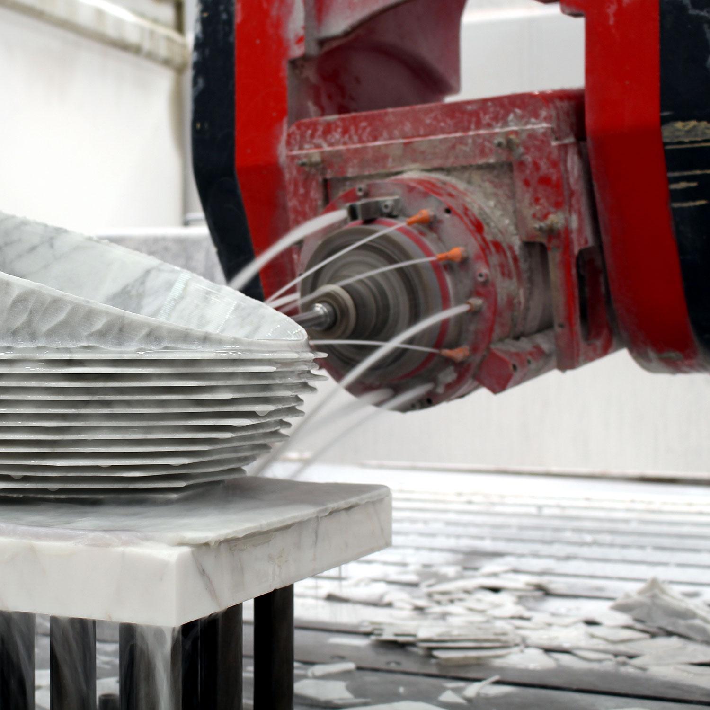 Lapicida_Services_CNC-Machine