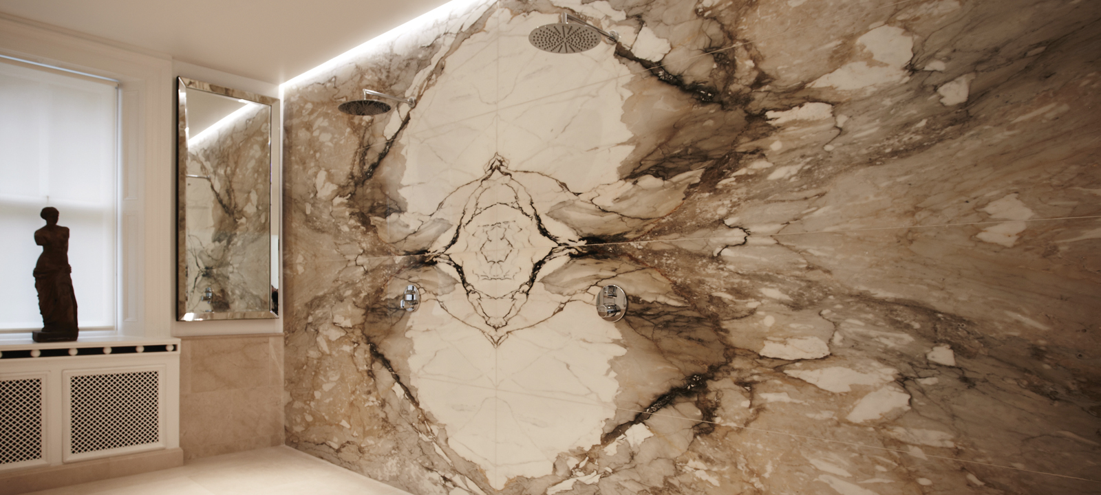 Lapicida_Bathroom_Marble_Bookmatch