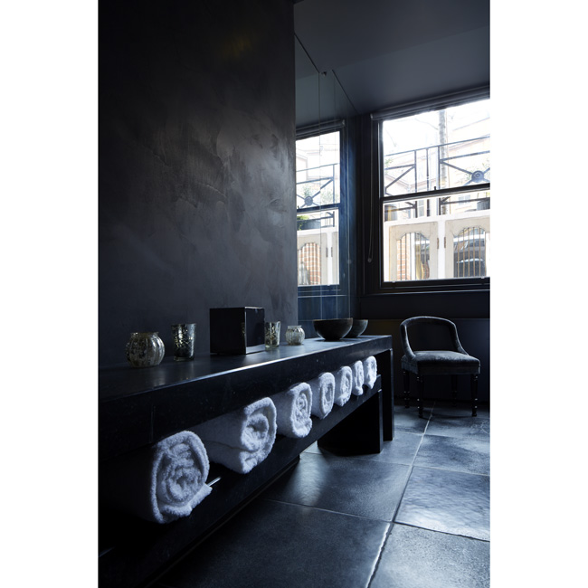 Lapicida_Hotel-Wellness_Floors_Benches_Nero-Antico_Birr-Black