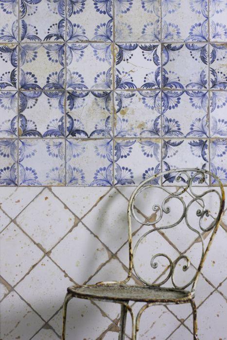 Lapicida Old Faro Patterned Ceramic Bathroom
