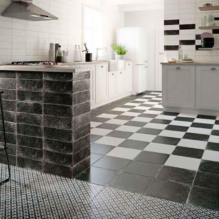 Lapicida_antiguo_black_Porcelain_Kitchen