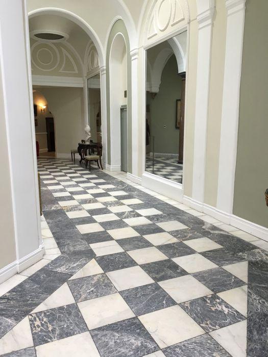 Lapicida Venetian White Marble Hall