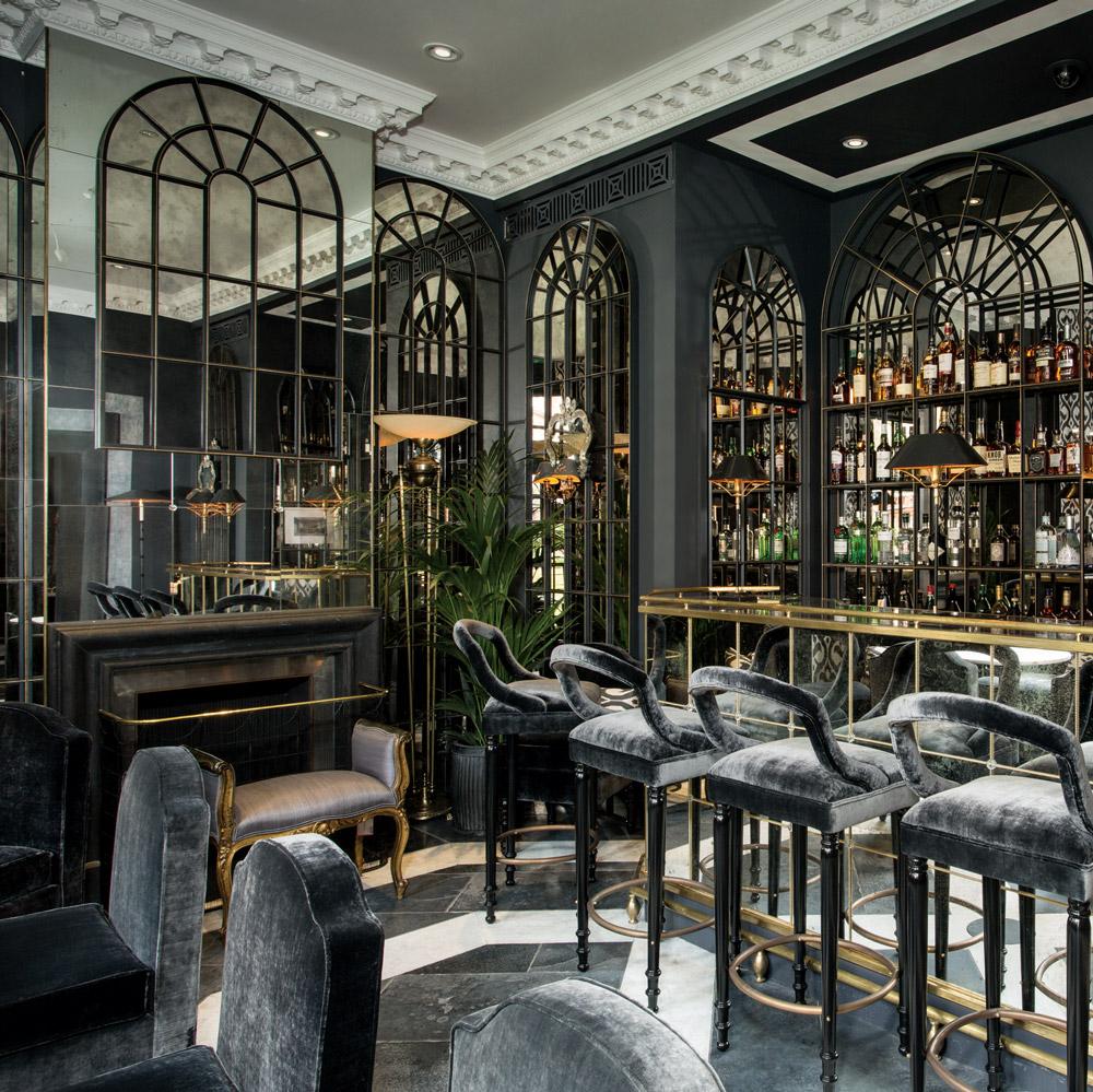 Lapicida_Hotel-Bar_Fire-Surround_Floor_Carrara_Nero-Antica_Birr-Black