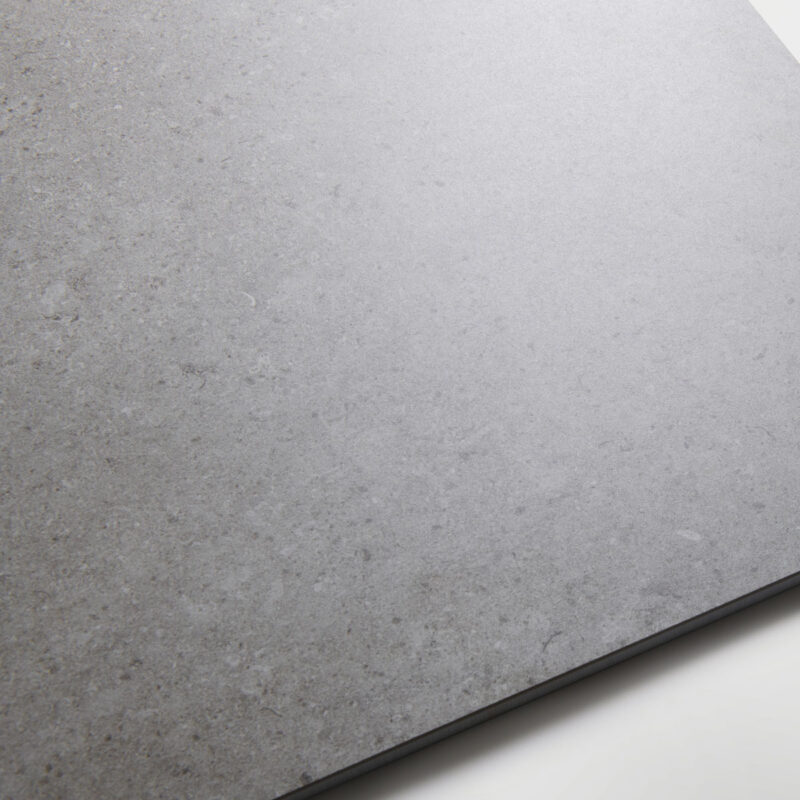 Lapicida_Stone-Pillar_Grey